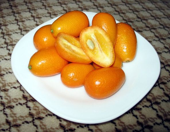 Kumquat fruit - things that are orange